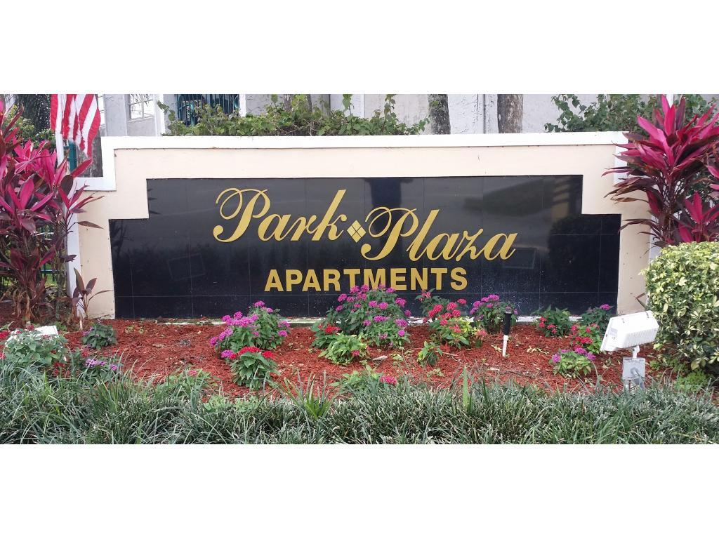 Park Plaza Apartments photo #1