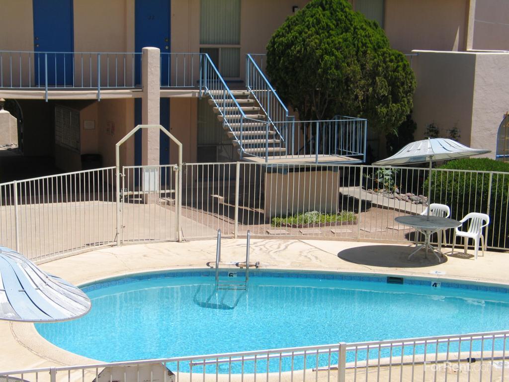 Knollwood Terrace photo #1