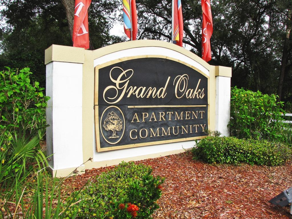 Grand Oaks Apartments photo #1