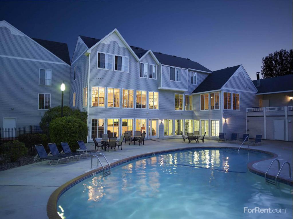 Berkshire Of Burnsville Townhomes Apartments Burnsville Mn Walk Score