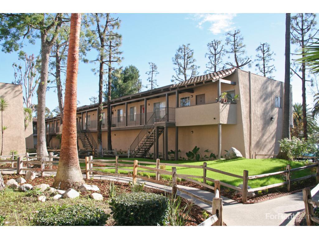 Parkside La Palma Apartments photo #1