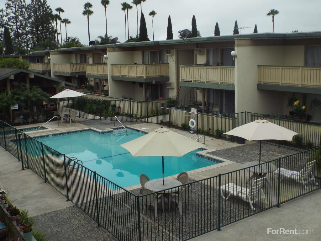 2010 E Santa Clara Ave photo #1