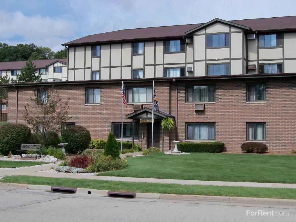 Woodfield Heights Apartments photo #1
