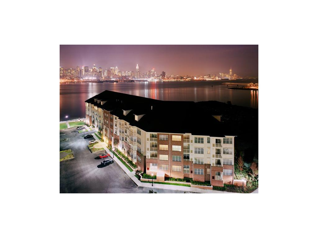 Riverbend at Port Imperial Apartments photo #1