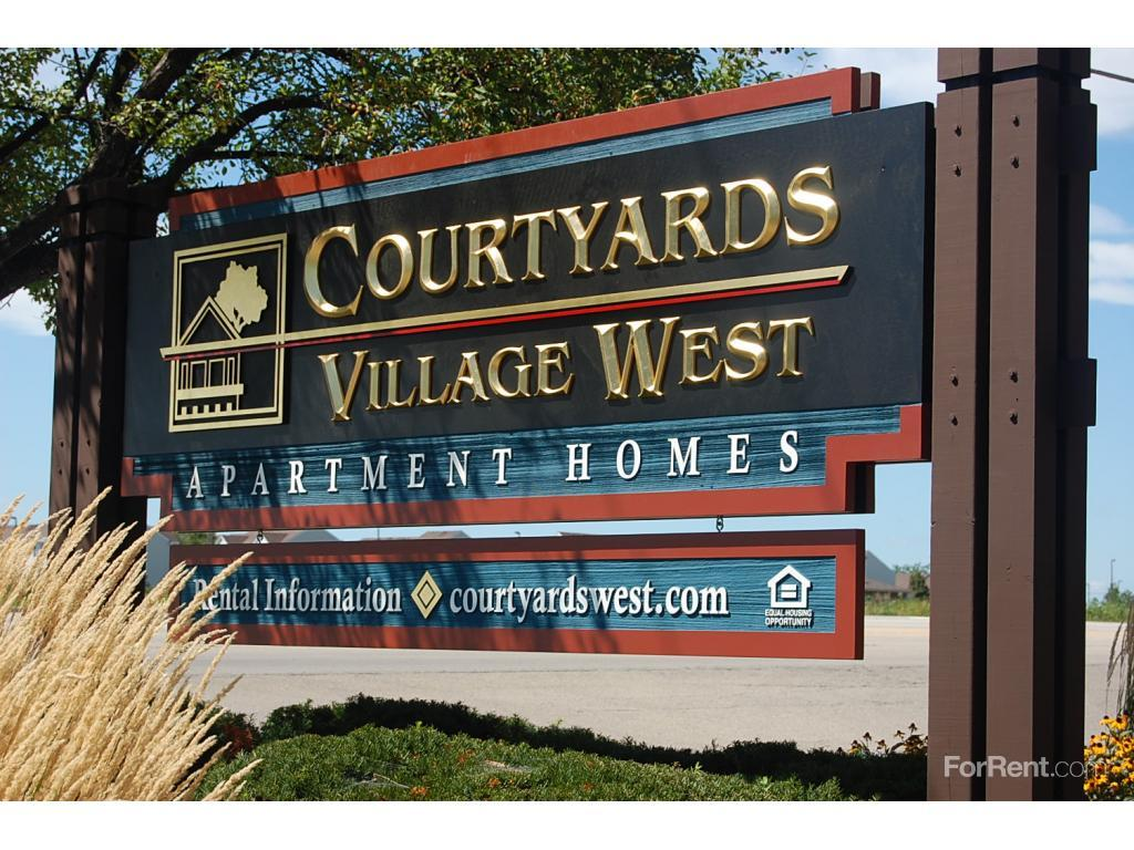 Courtyards Village Apartments Aurora Il