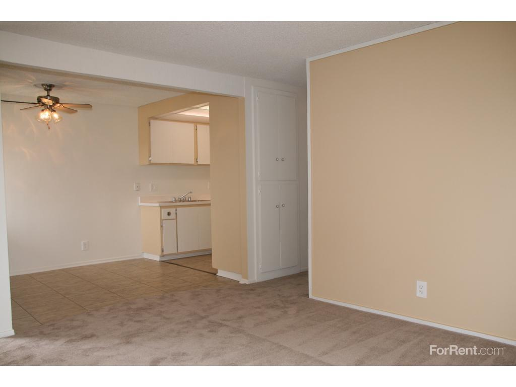 two bedroom apartments in louisville ky. hurstbourne crossing