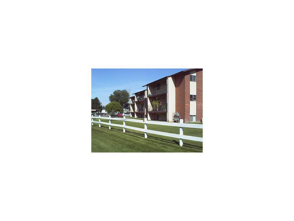 Willow Brook Cove Apartments photo #1