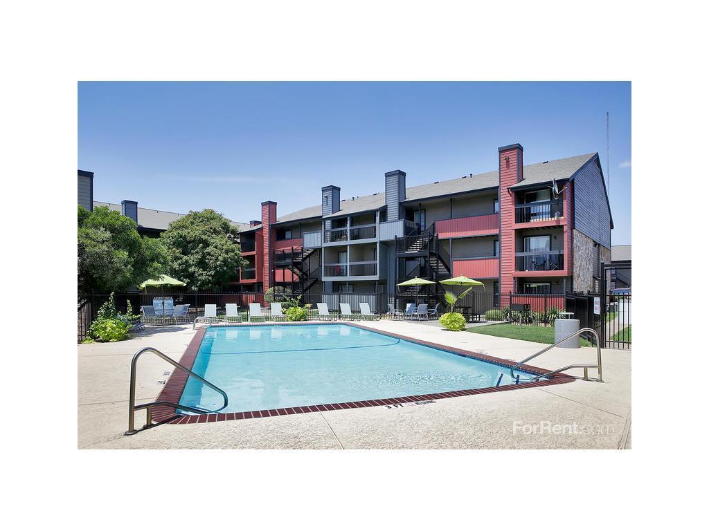 Avesta Solano Apartments photo #1
