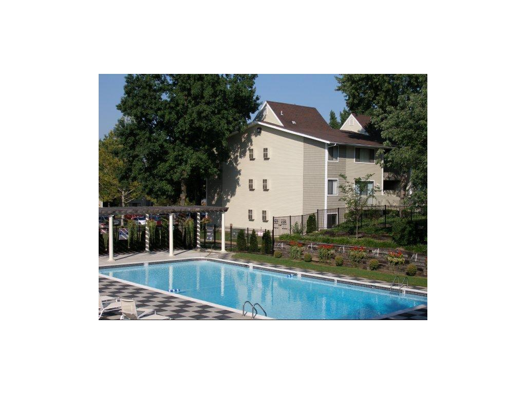One Bedroom Apartments In St Louis Mo The Pavilion Apartments Maryland Heights Mo Walk Score