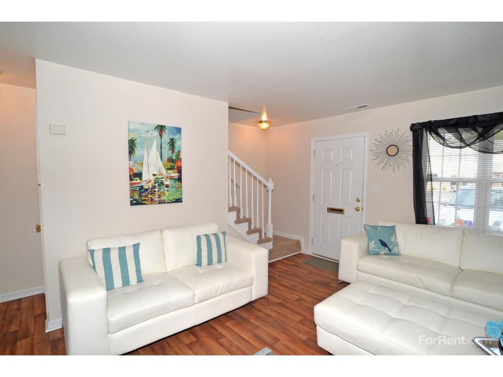 Crossroads Townhomes Apartments photo #1