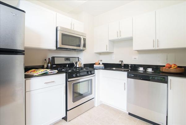 Calvert Woodley Apartments photo #1