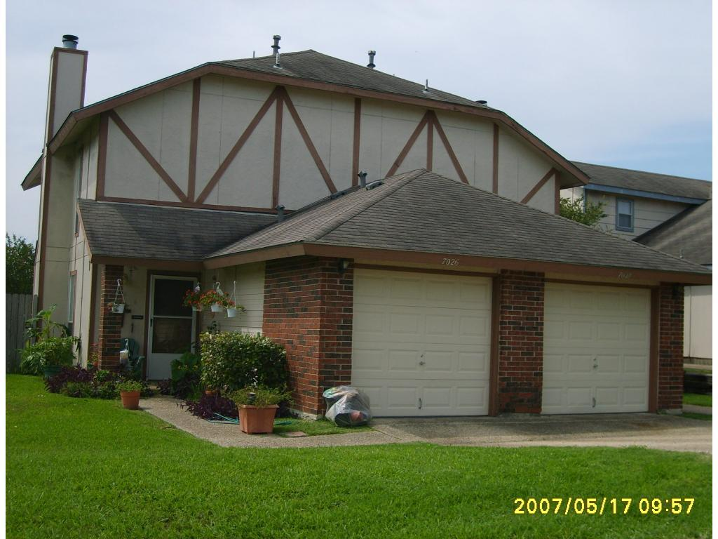 Woodlake Duplexes Apartments photo #1