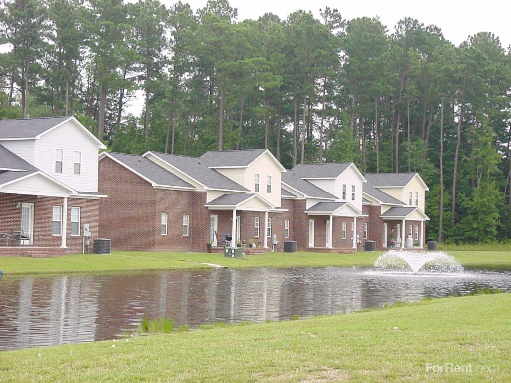 Brookwood downes north landing town homes apartments for Brookwood home builders