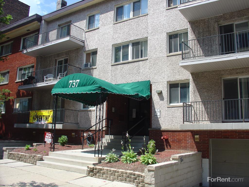Pere Marquette Apartments photo #1