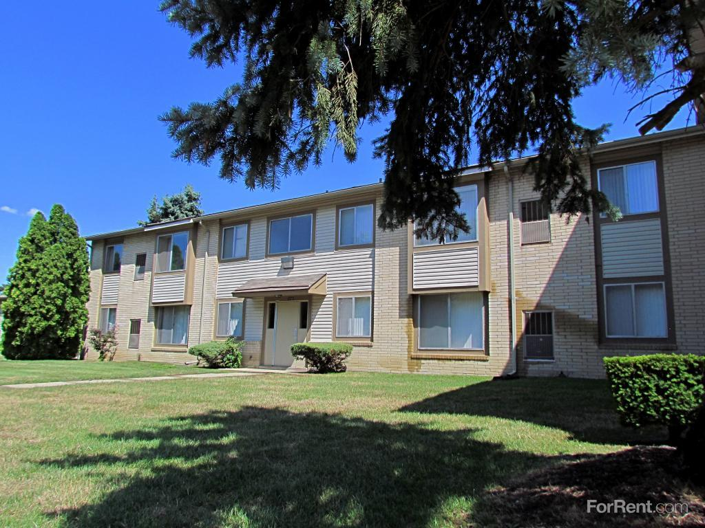 Maplewood Apartments and Townhomes photo #1
