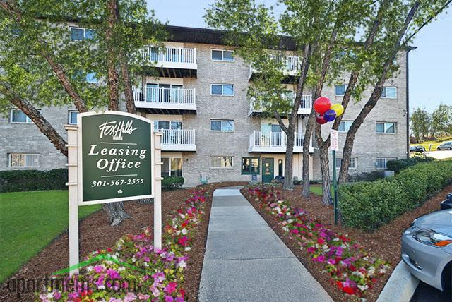 Fox Hills North Apartments photo #1
