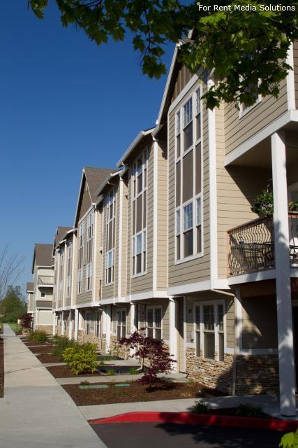 Springwater Corridor Luxury Townhome Rentals Apartments