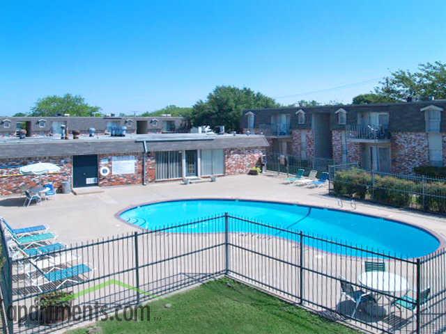 Fleetwood Apartments Waco Tx