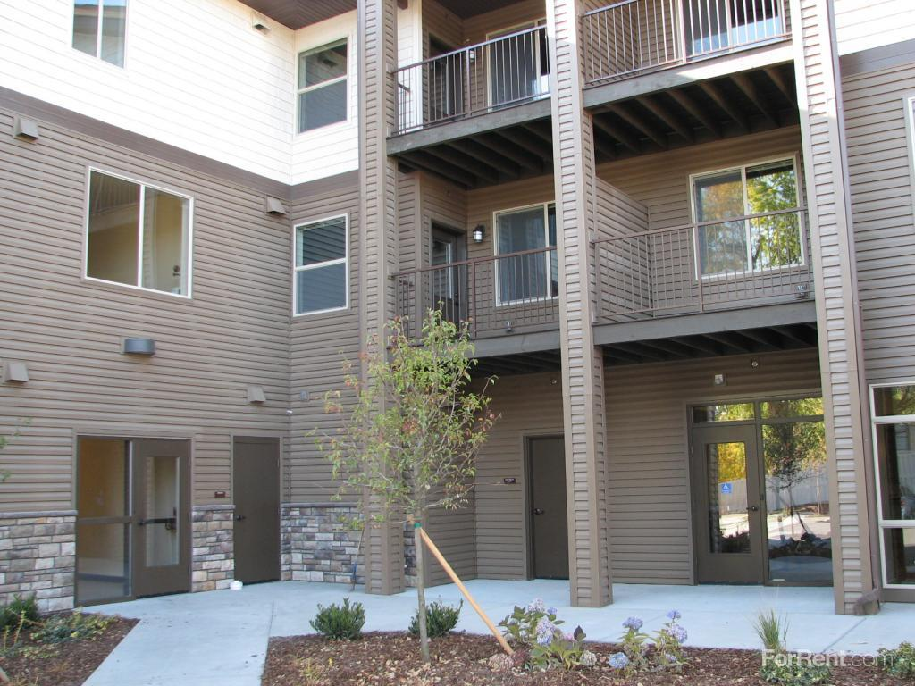 Vineyard At Broadmore A Community For 55 And Older Apartments Nampa ID W