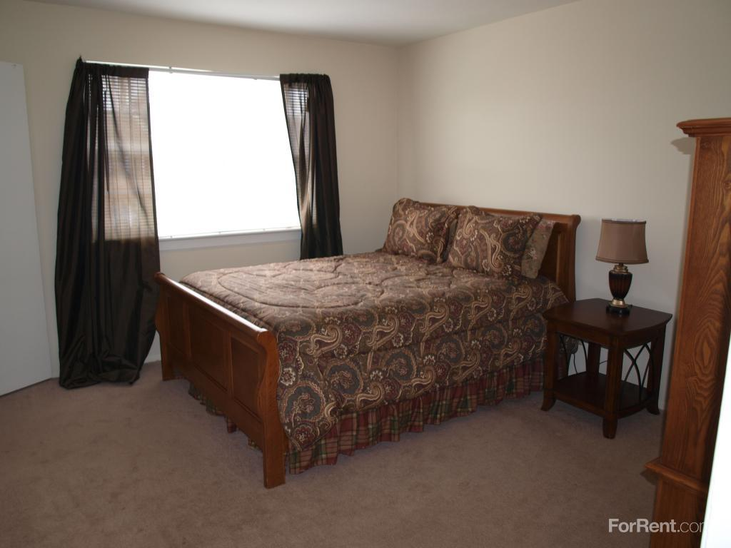 camelot townhomes and regency village apartments tuckahoe