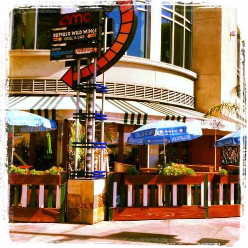 photo of Barney's Beanery Burbank at 250 North 1st Street Burbank CA 91502
