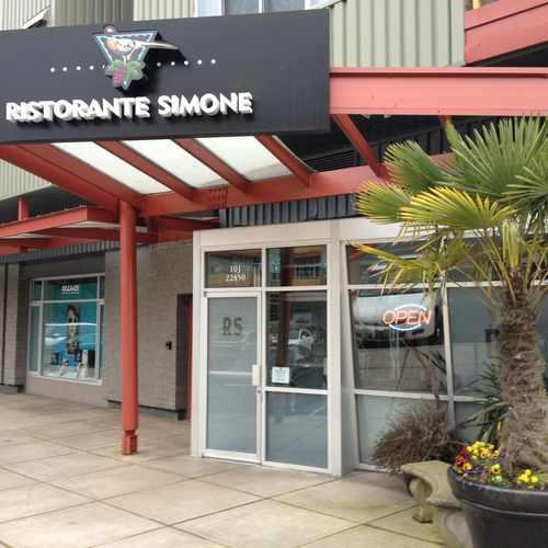 photo of Sammamish Cafe & Spirits at 22850 Northeast 8th Street Sammamish WA 98074