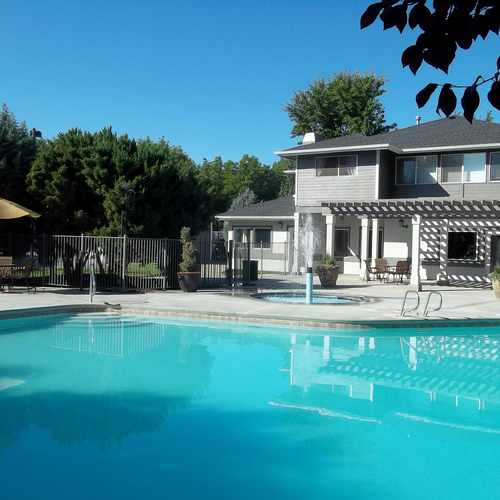 photo of Arbor Crossing Apartments at 5122 West Stoker Lane Boise ID 83703