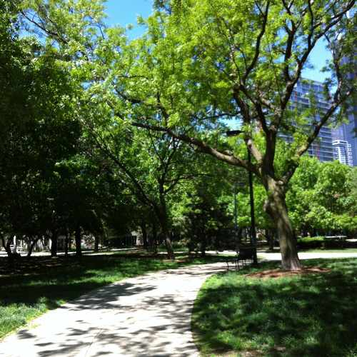 photo of Dearborn Park at 899 South Plymouth Court Chicago IL 60605