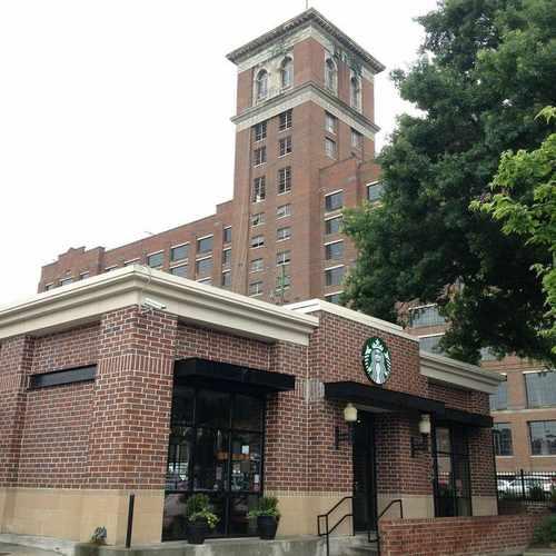 photo of Starbucks at 650 Ponce De Leon Avenue Northeast Atlanta GA 30308