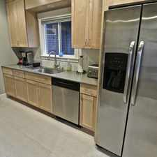 Rental info for EXQUISITE 2-STORY FULLY FURNISHED EASTLAKE DUPLEX in the Eastlake area