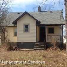 Rental info for 935 N Gibson Ave in the Indianapolis area