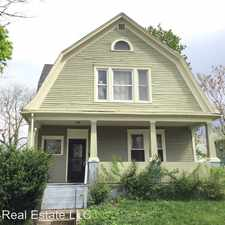 Rental info for 325 E Woodland Ave in the Fort Wayne area