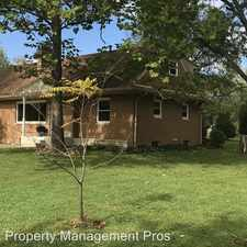 Rental info for 4608 Woodridge Dr in the Fort Wayne area