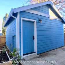 Rental info for 2434 SE 78th Avenue - B in the South Tabor area