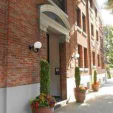 Rental info for 2151 NW Johnson St in the Portland area
