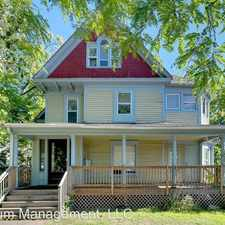 Rental info for 821 6th St SE in the Dinkytown area