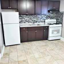 Rental info for 9620 Ivanhoe G in the Franklin Park area