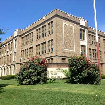 Photo of Reynolds Middle School in Lancaster