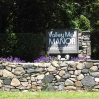 Photo of Valley Mall Manor in Glenbrook, Stamford