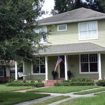 Photo of Bungalows and Craftsman Homes Characteristic of Seminole Heights in Old Seminole Heights, Tampa