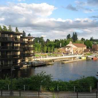 Photo of Lakeshore Inn in Lake Oswego