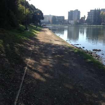 Photo of Lake Merritt Running Path in Adams Point, Oakland