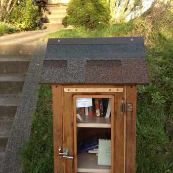 Photo of 8th Ave. NW Mini Library in Phinney Ridge, Seattle