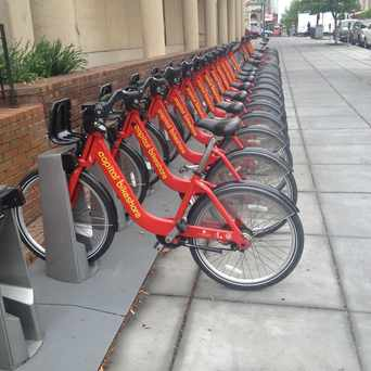 Photo of Capital Bikeshare: 5th & F St NW in Downtown-Penn Quarter-Chinatown, Washington D.C.