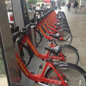 Photo of Capital Bikeshare: Metro Center / 12th & G St NW in Downtown-Penn Quarter-Chinatown, Washington D.C.