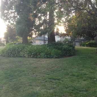 Photo of Longridge & Grosvener Corner Park in Crocker Highlands, Oakland