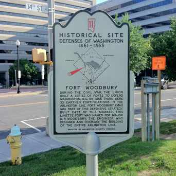 Photo of Fort Woodbury Historical Sign in Clarendon - Courthouse, Arlington