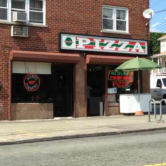 Photo of Frank's Pizza in Pelham Bay, New York