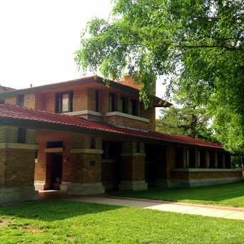Photo of Frank Lloyd Wright's Allen-Lambe House Museum in College Hill, Wichita