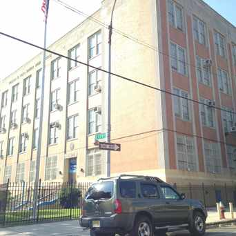Photo of William W Niles Middle School in Mount Hope, New York
